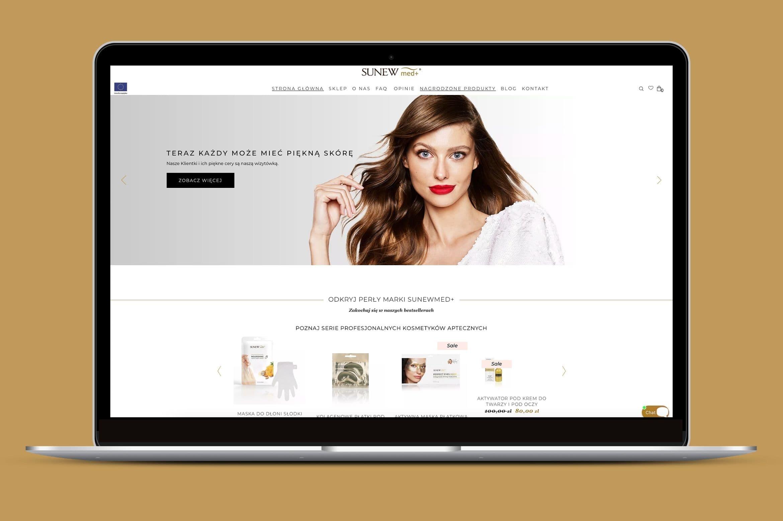 mockup-strony-internetowej-na-laptopie